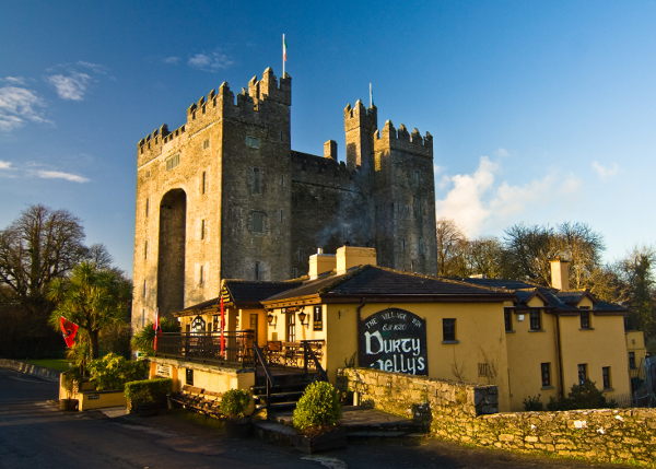 Bunratty Castle & Durty Nelly's.